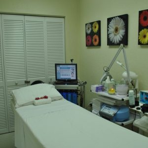A bed where chiropractic services are completed at Jimenez Chiropractic Med-Spa in Miami, FL